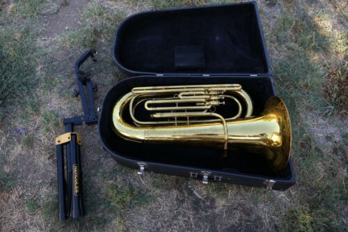 King 1140 3/4 BBb Tuba w/ Stand