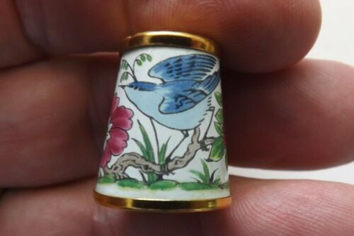 CRUMMLES ENAMEL THIMBLE VERY PRETTY FLOWER AND A BIRD DESIGN 2CMS (1636)