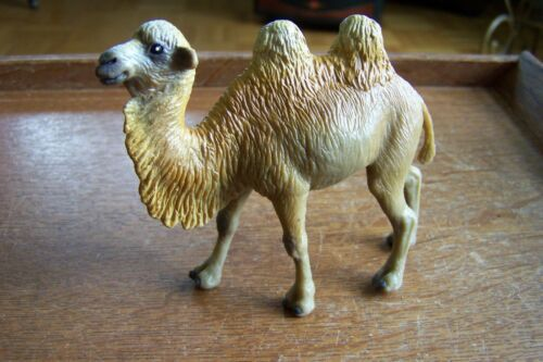 VINTAGE PLASTIC CAMEL-SAFARI LTD-1997
