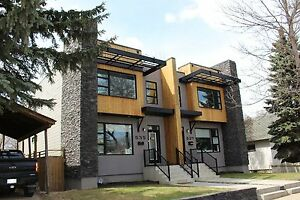 Westmount - High End 3 Bedroom Home! Close To Schools!