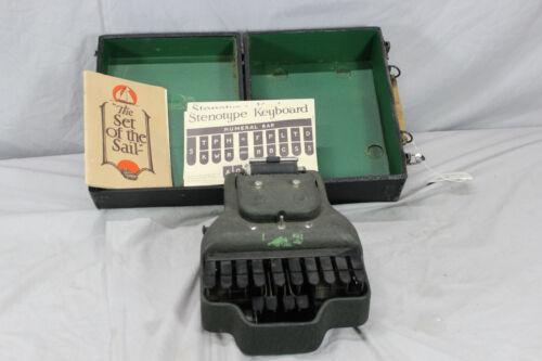 Vintage Stenotype Stenographers Shorthand Typewriter in Case