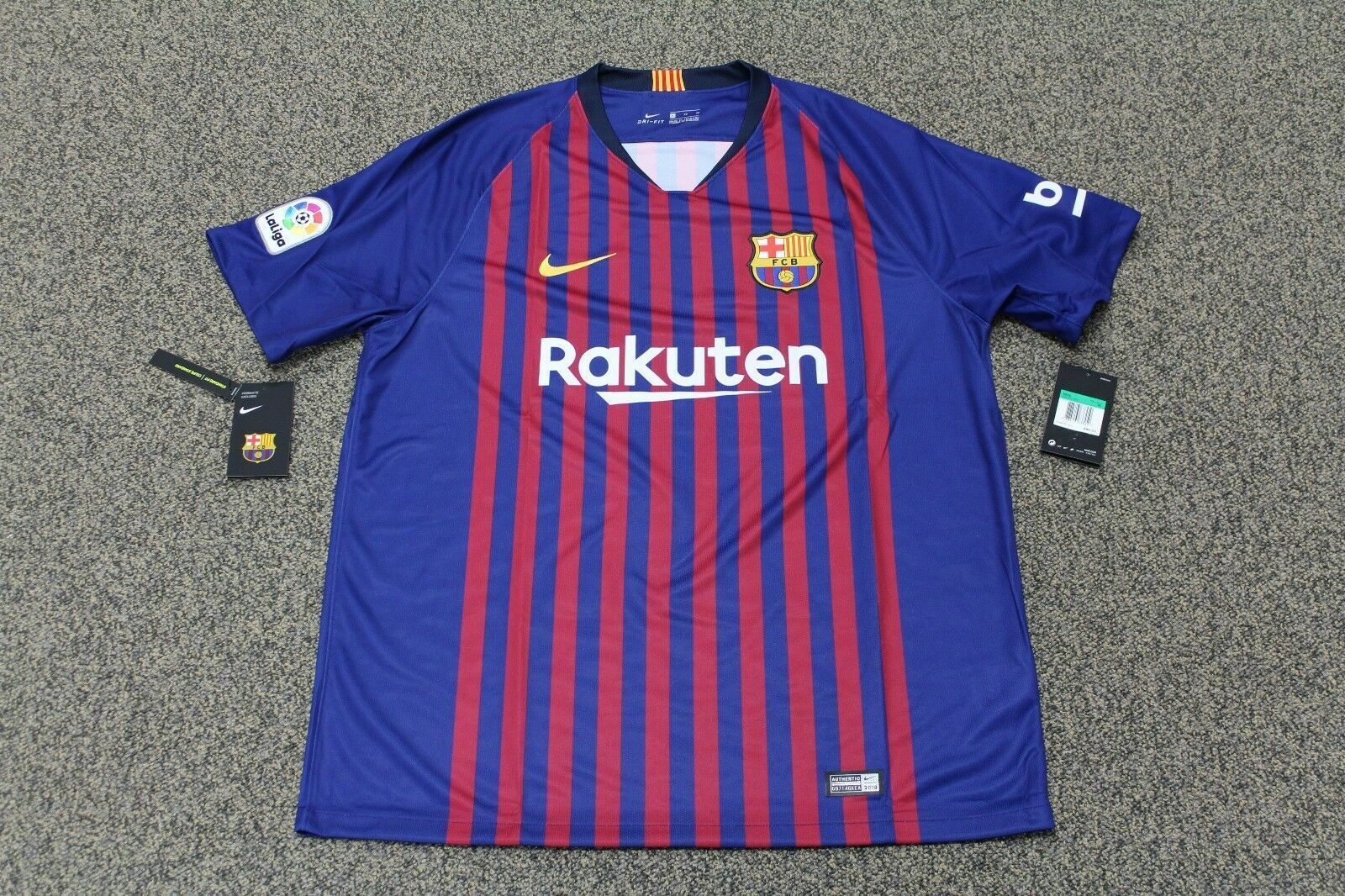 quality design c2e76 0a6c2 Nike FC Barcelona Jersey 2019 #9 Luis Suarez Name and Number Size XL Only