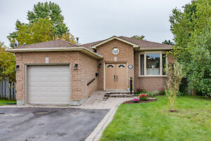BARRIE SOUTH-NEW LISTING 3 BEDROOM BUNGALOW