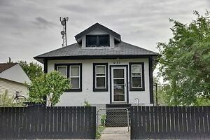 REDUCED! 933 Lindsay Street - Bright and full of character!
