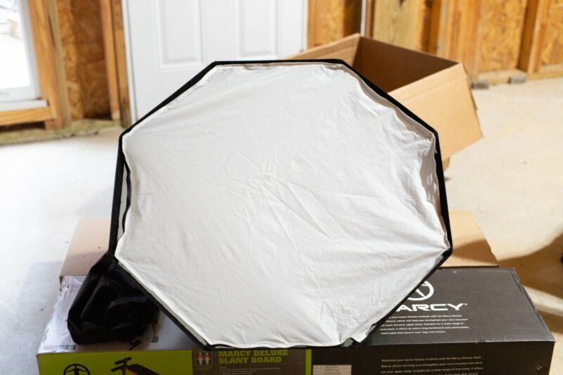 """Paul Buff 35"""" Foldable Octabox - Great condition - Photography Softbox"""