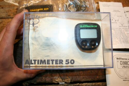 Avocet Cyclometer Altimeter 50 Vintage Cycle Computer (tested working) with box