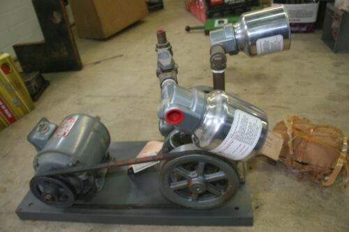 New Gast Vacuum Pump Model 3010-V120 paired with Delco 1.5 HP Motor NOS