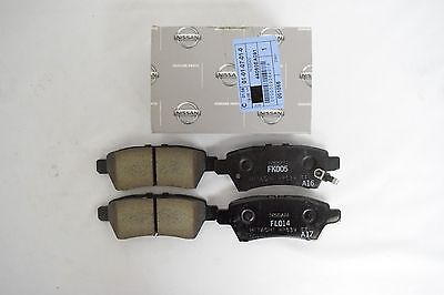Genuine NISSAN Pathfinder Xterra Rear Brake Pad Set 44060EA091 / 44060-EA091 OEM