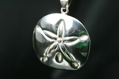 Up For Sale Is A 925 Sterling Silver Sand Dollar Style Pendant 18.5 G (PEN1458) - Sand Dollars For Sale