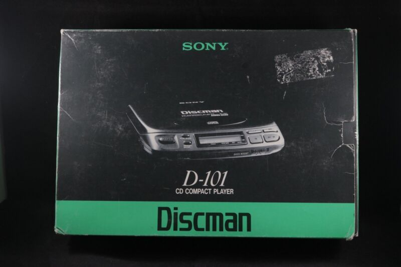 Vintage Sony Discman D-101 Mega Bass Compact Disc Player W Original Box Tested