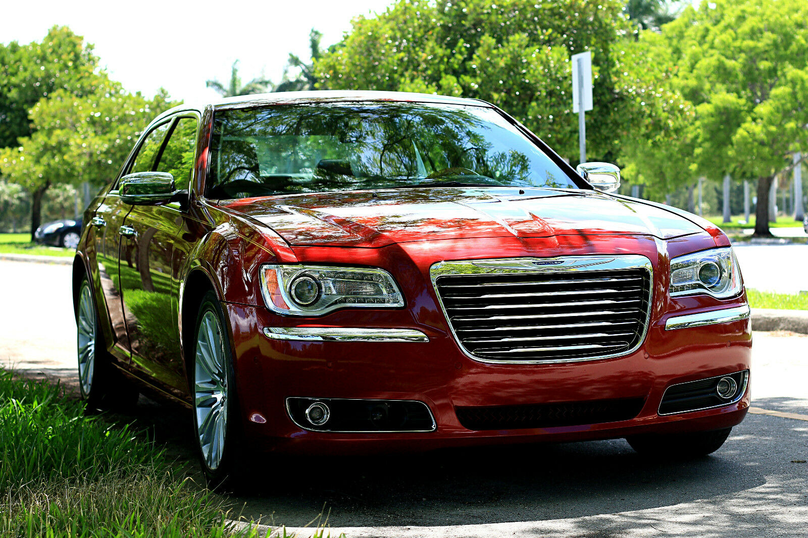 2013 chrysler 300 c hemi leather s 2014 2012 dodge charger. Black Bedroom Furniture Sets. Home Design Ideas