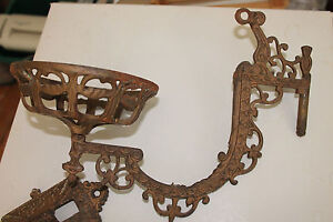 Ornate-Antique-Victorian-Eastlake-Cast-Iron-Wall-Sconce-With-Bracket