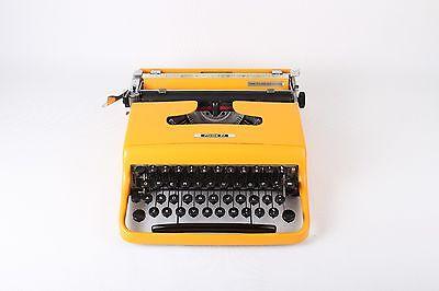 Black Friday Sale!!!YELLOW OLIVETTI PLUMA 22 vintage portable working typewriter