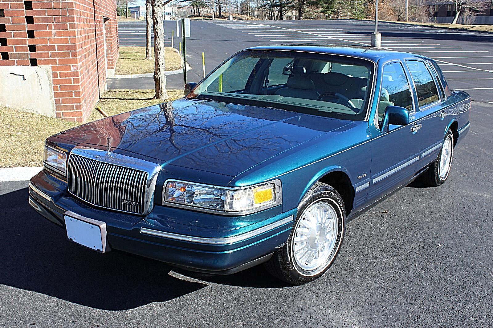 1997 Lincoln Town Car Signature Series 51k Miles Texas Car Rust Free