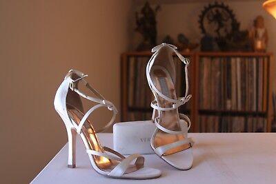 Badgley Mischka White Satin 4 1/2 Inch Heel Buckle D'Orsay Pumps Size 6.5 (White 4 Heel Satin Pump)