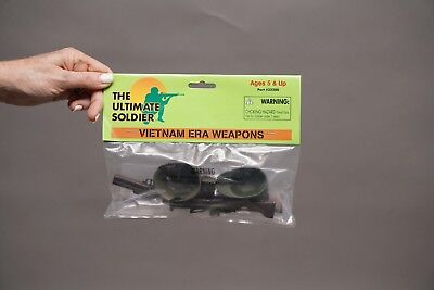 21st CENTURY TOYS THE ULTIMATE SOLDIER VIETNAM ERA WEAPONS IN ORIGINAL PACKAGE