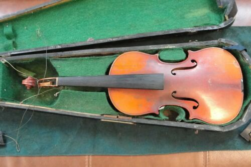 Antique Copy of Antonius Stradivarius Violin wcase