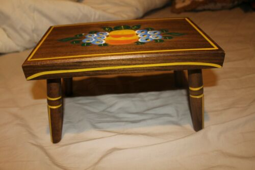 Primitive Tole Painted Dutch floral wood foot stool bench Ebersol (PA)  1981