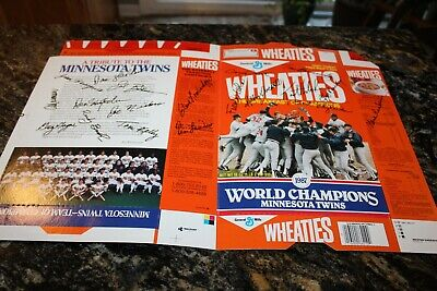 1987 World Series Minnesota Twins Wheaties box signed by entire team ()