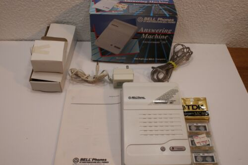 Bell Phone systems Answermate #267 Answering Machine with Extra New Tapes Vintag