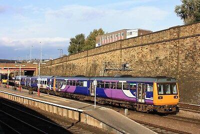 142060+158904 Arriva Northern 6x4 Quality British Rail Photo b