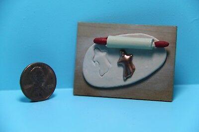Dollhouse Miniature Making Halloween Ghost Cookies ~ SC542 (Make Halloween Cookies)