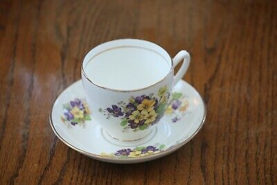 BEAUTIFUL DUCHESS BONE CHINA CUP & SAUCER  ENGLAND