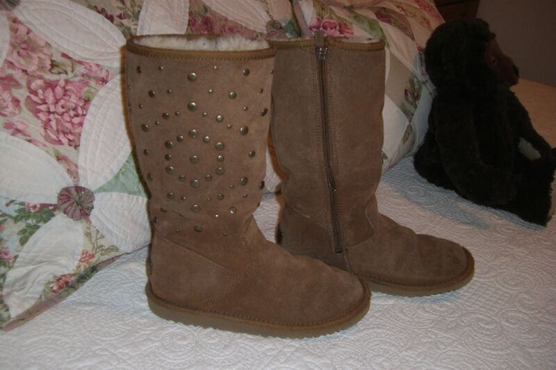 UGG Boots Size 3 WITH STUDS AND metal UGGS