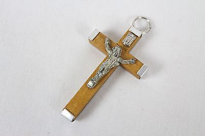 Vintage Religious Christianity Jesus Wooden Cross Pendant Necklace  Collectable