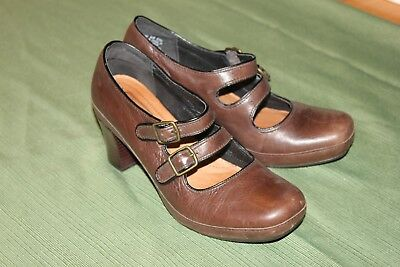 CLARKS ARTISAN BROWN LEATHER DOUBLE STRAP MARY JANE HEELS WOMEN'S SZ 8 - Double Strap Mary Jane