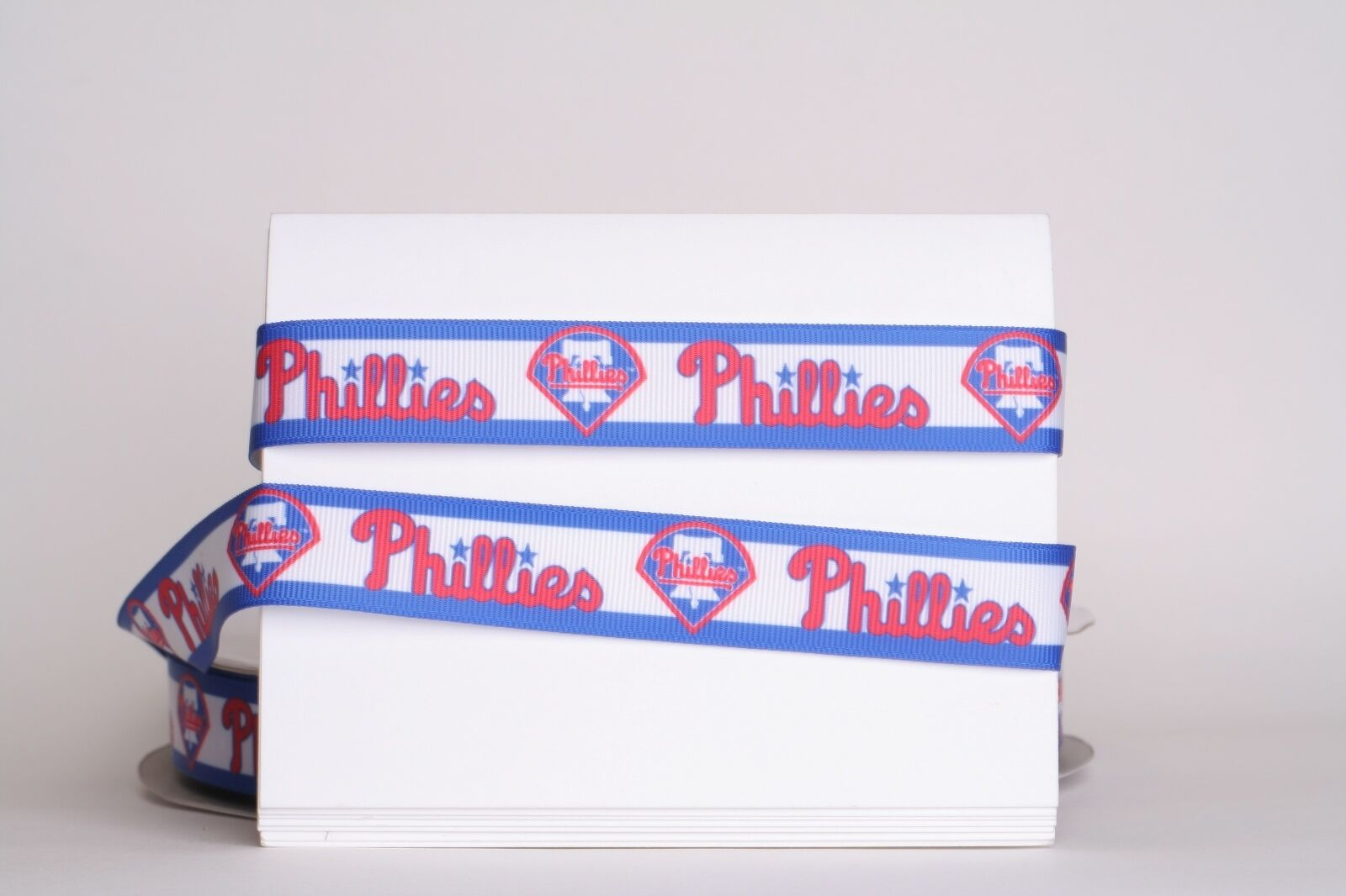 "как выглядит PHILADELPHIA PHILLIES BASEBALL 7/8"" Grosgrain Ribbon 1,3,5,10 Yard SHIP FROM USA фото"