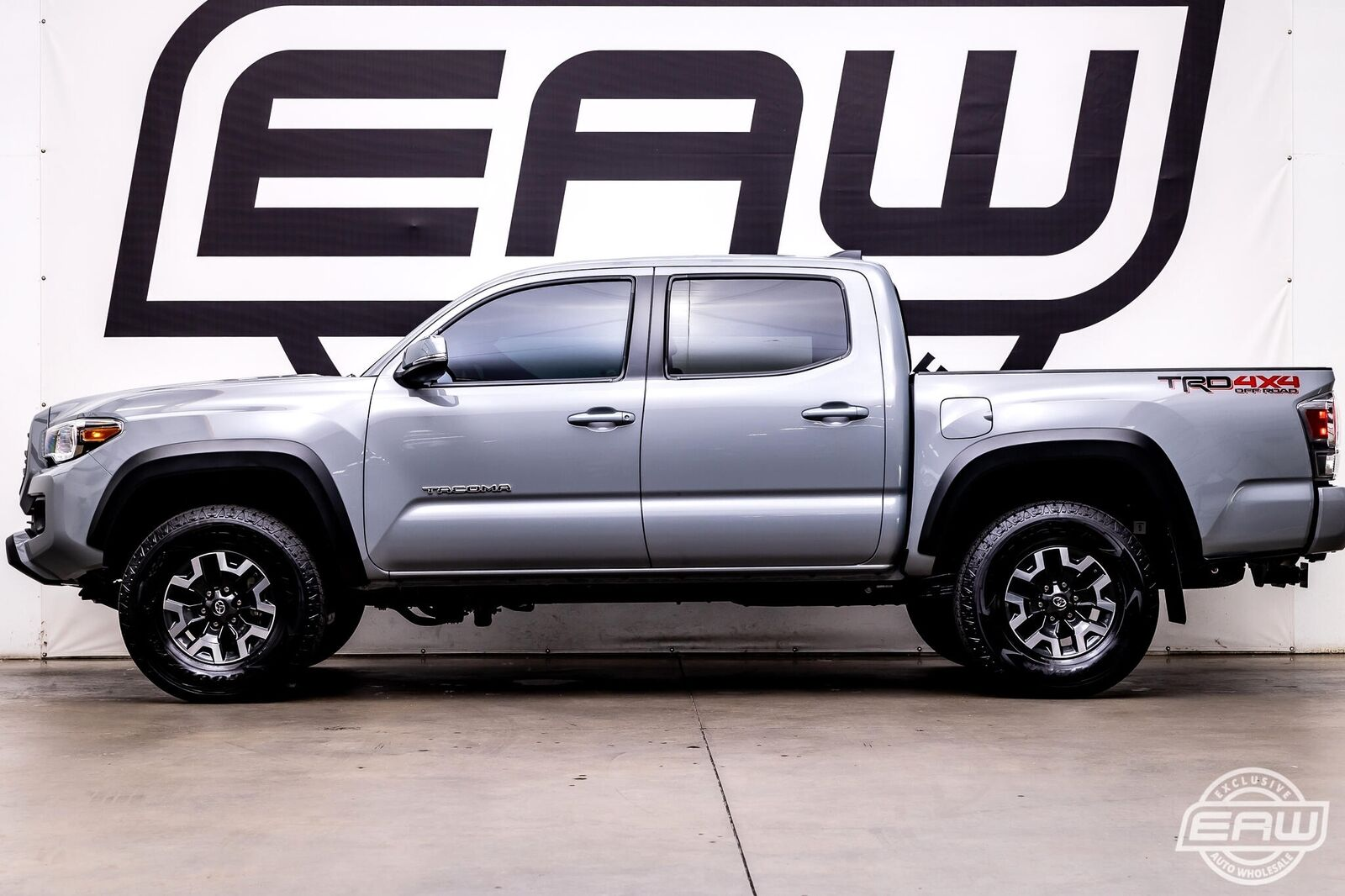 2020 Toyota Tacoma 4WD TRD Off Road Double Cab 5' Bed V6 MT (Natl) 6890 Miles Gr