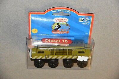 2003 NIP Diesel 10 Thomas & Friends Wooden Railway toy Train LC99156 wood magnet