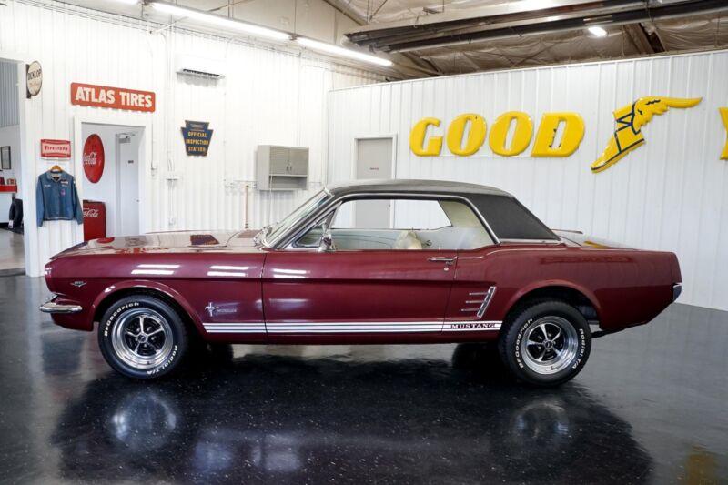 Image 3 Coche Americano de época Ford Mustang 1965