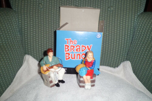 THE BRADY BUNCH SALT AND PEPPER SHAKER MARCIA AND GREG NEW IN BOX