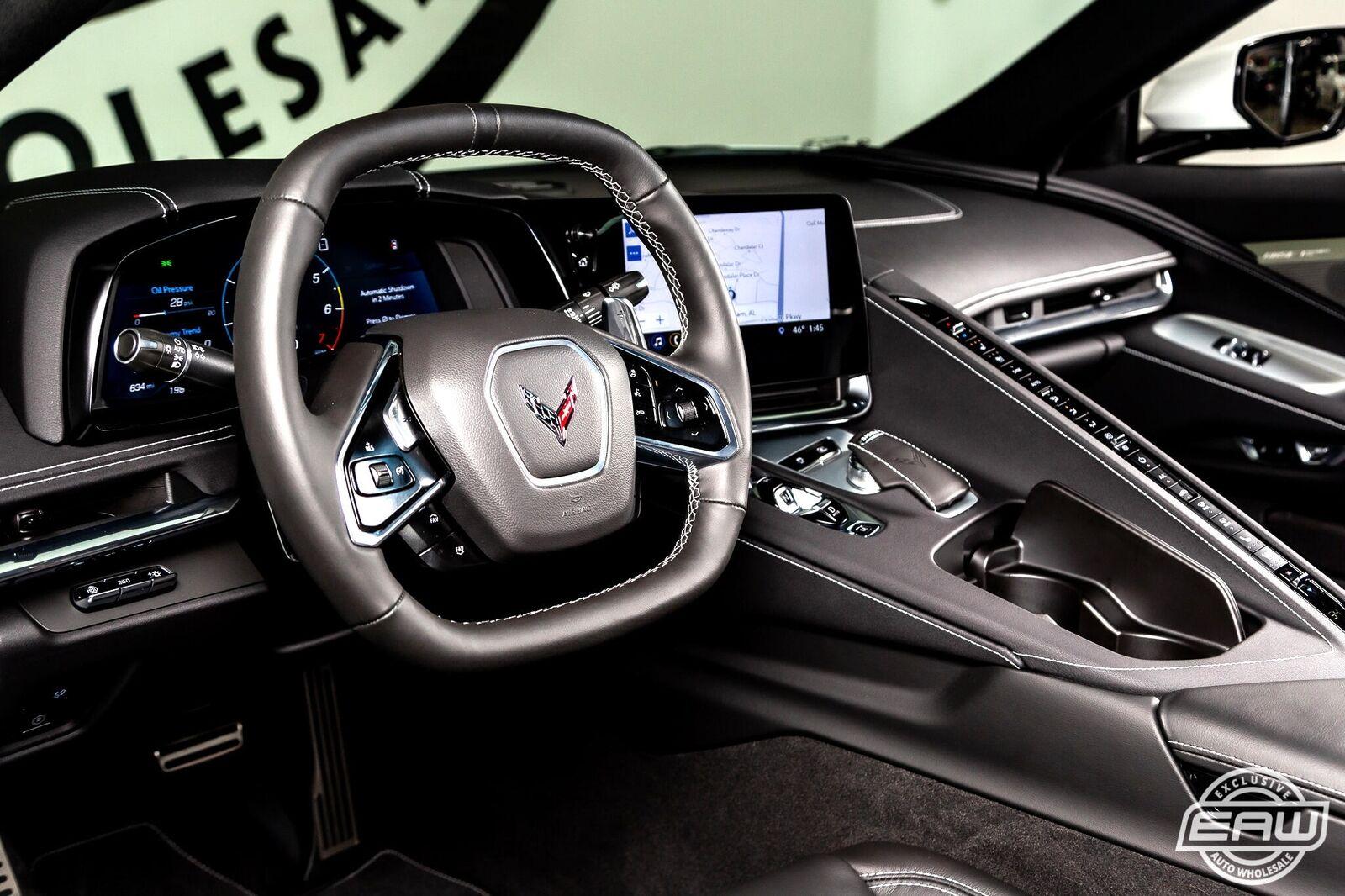 2020 White Chevrolet Corvette Stingray 2LT | C7 Corvette Photo 2