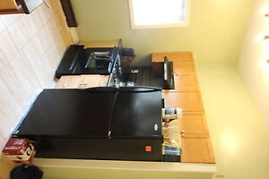 3 BEDROOM DT - PERFECT FOR STUDENTS - SEPT 1 - $1770