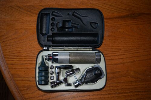 Vintage Welch Allyn Diagnostic Set Ophthalmoscope Otoscope Eye Ear Nose Throat