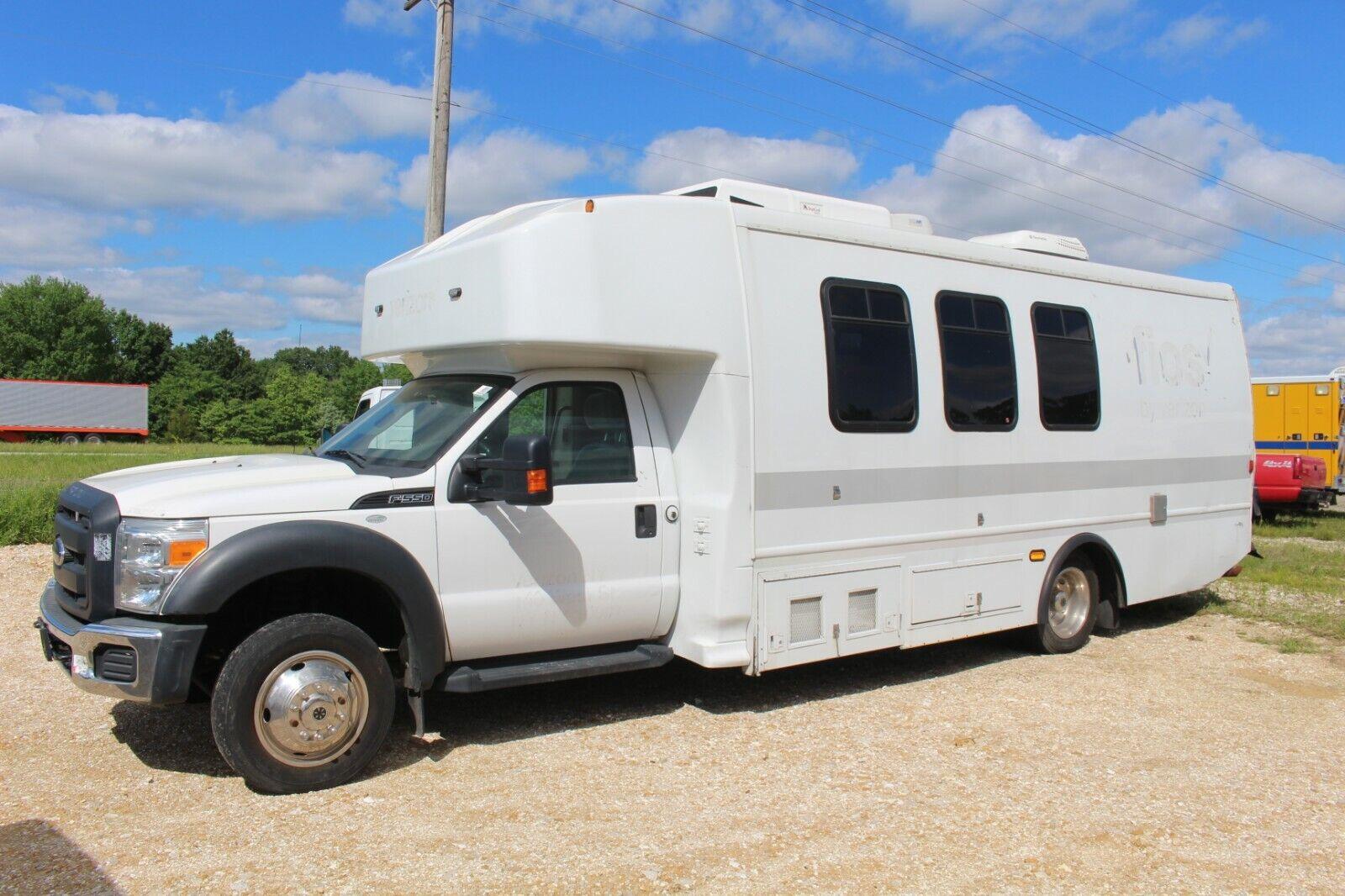 2012 Ford F-550 Shuttle Bus Camper Van Motor Home Skoolie Food Truck RV Used