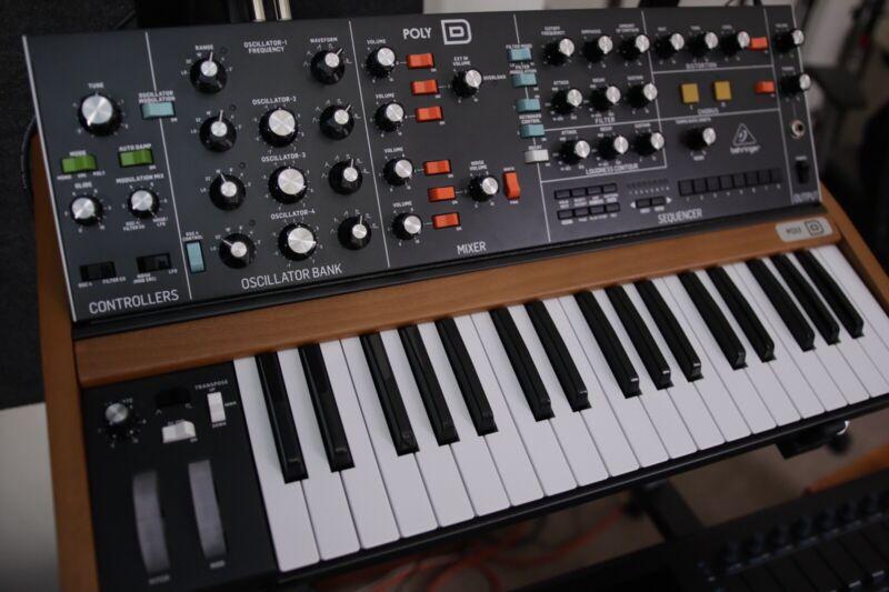 Behringer Poly D 37 Keys Polyphonic Analog Synthesizer
