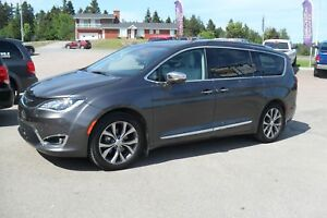 Chrysler Pacifica Familiale 4 portes Limited FULL EQUIP