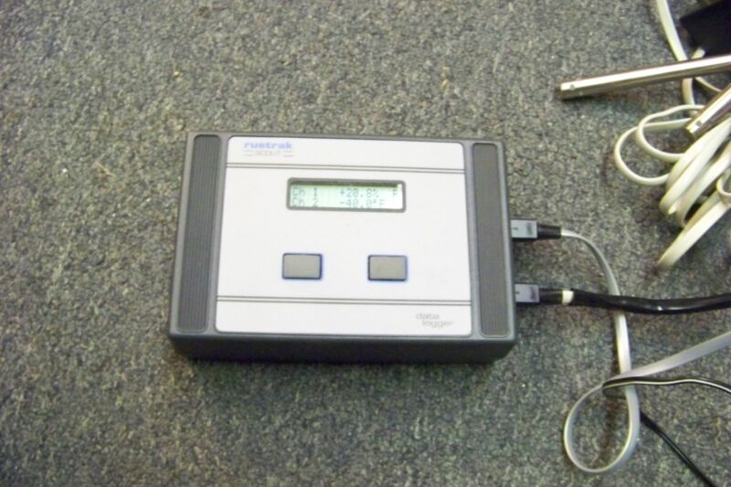 RUSTRAK SCOUT 1040 THERMOCOUPLE DATA LOGGER w/ probe 252b