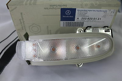 Genuine Mercedes-Benz W203 C-Class LH Mirror Repeater Indicator Lamp A2038200121
