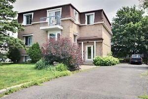 Triplex - à vendre - Mont-Saint-Hilaire - 20270202