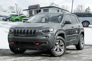 2019 Jeep Cherokee Trailhawk 4x4, BACKUP CAM, PANO ROOF, VENTED