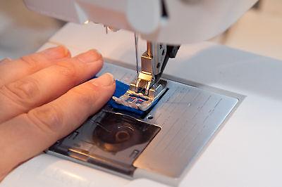 Jetzt werden die Fäden an den Enden zusammengenäht - per Hand oder mit der Nähmaschine