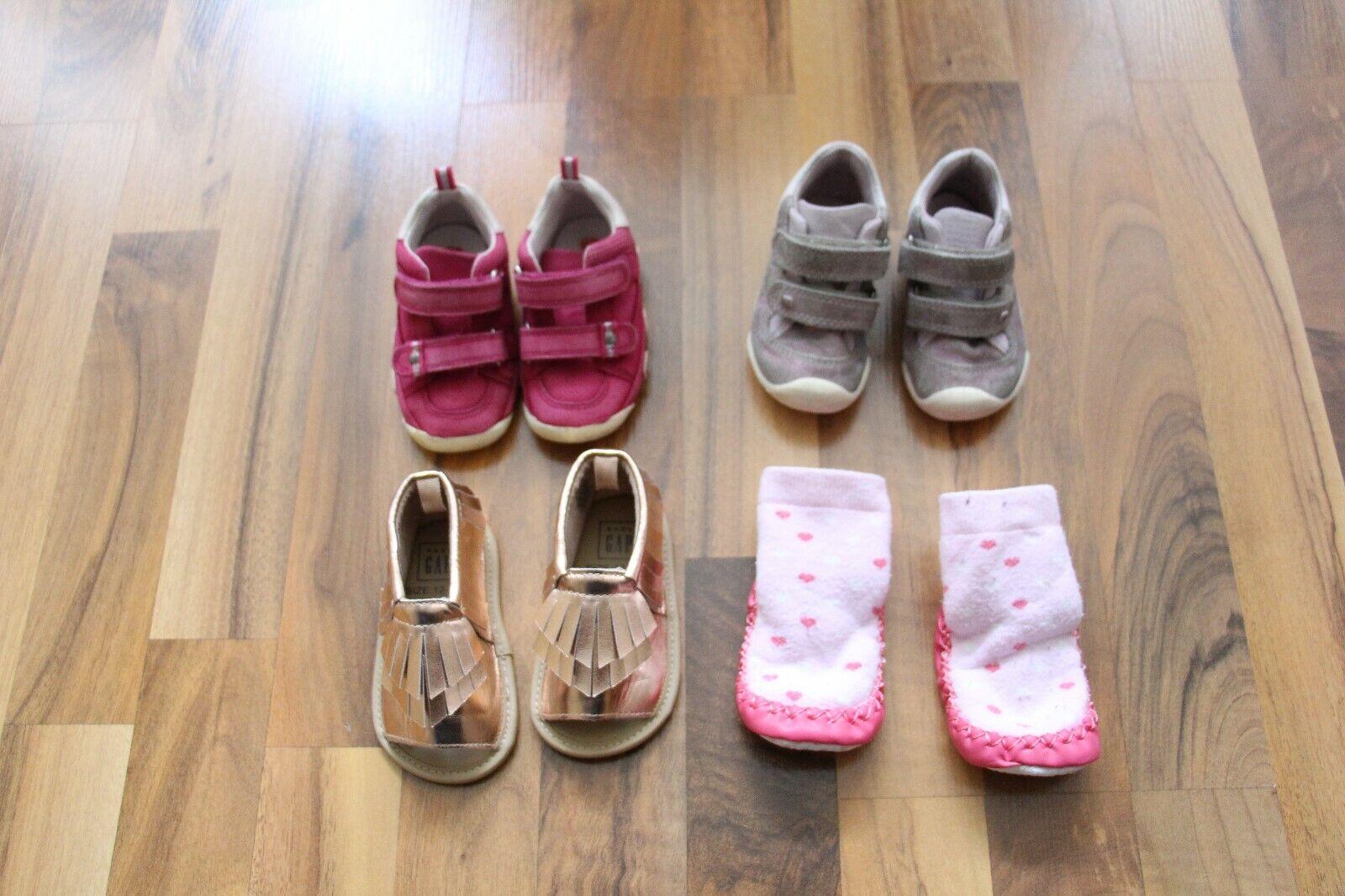 * 3 Paar Schuhe + 1 Paar Haussocken Gr. 18/19 TOP u. a. Elefanten *