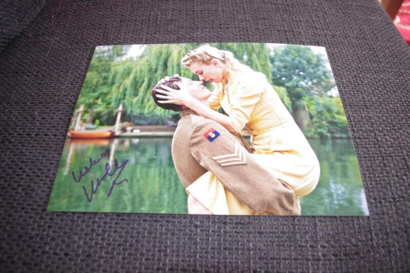 VANESSA KIRBY signed Autogramm auf SEXY 20x28 cm Foto InPerson LOOK