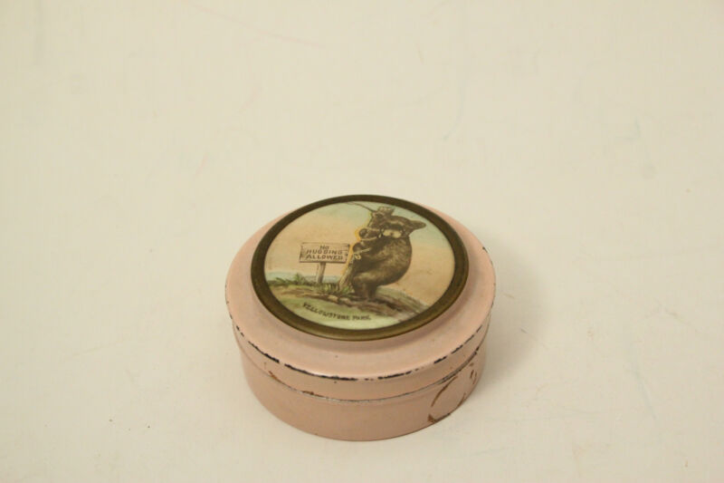 Antique Yellowstone National Park Souvenir Sewing Kit Tin Can (ANT2921)