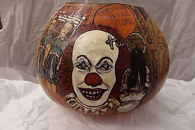 HAND PAINTED HALLOWEEN MOVIE GOURD*FOLKART*FEATURES IMAGES FROM CLASSIC HORROR  - Hand Painted Gourds Halloween